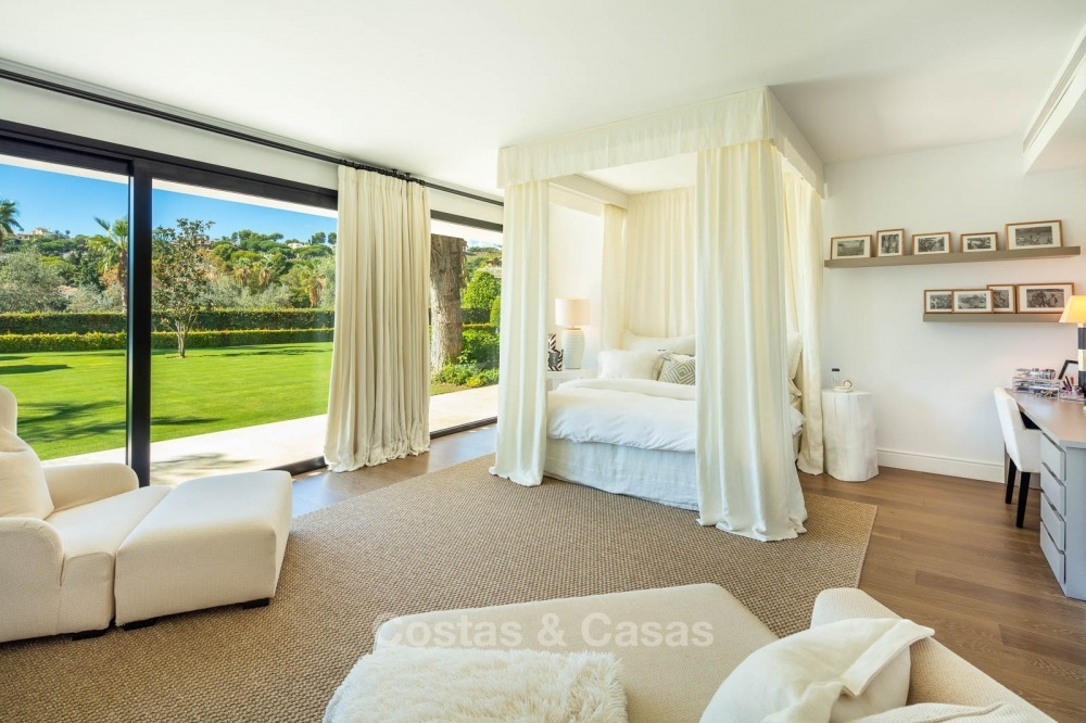 Palatial frontline golf villa for sale in Las Brisas Golf, Nueva Andalucia, Marbella 10881