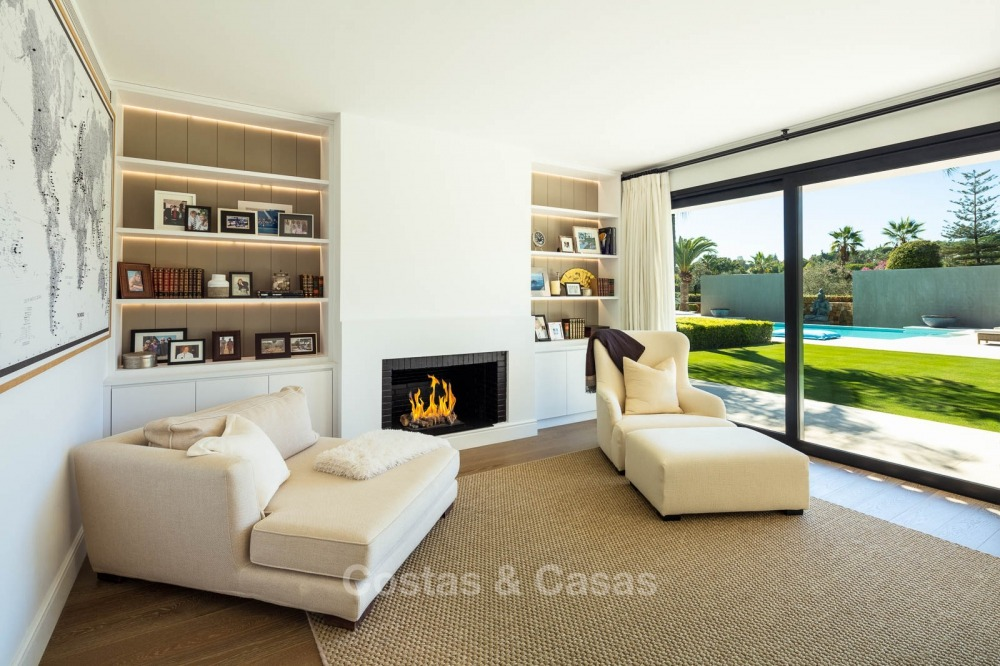 Palatial frontline golf villa for sale in Las Brisas Golf, Nueva Andalucia, Marbella 10882