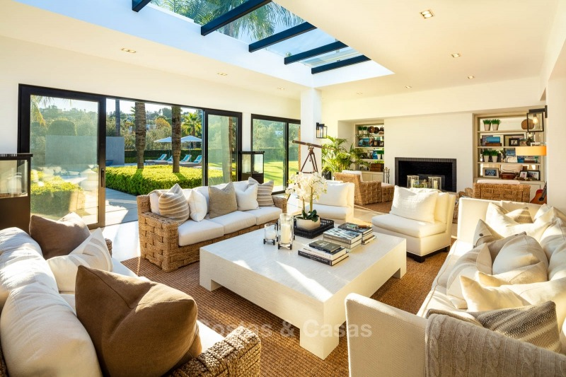 Palatial frontline golf villa for sale in Las Brisas Golf, Nueva Andalucia, Marbella 10887