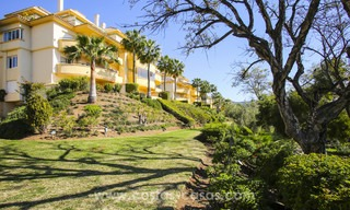 Luxury apartments and penthouses for sale with stunning golf and sea views - Elviria, Marbella 11043
