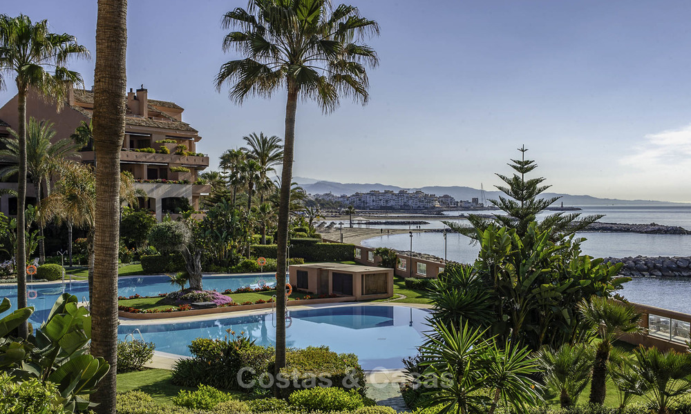 Luxury frontline beach apartment for sale in an exclusive residential complex, Puerto Banus, Marbella 11554