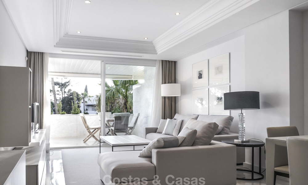 Luxury beachfront apartment with sea views for sale in an exclusive complex on the prestigious Golden Mile, Marbella 11530