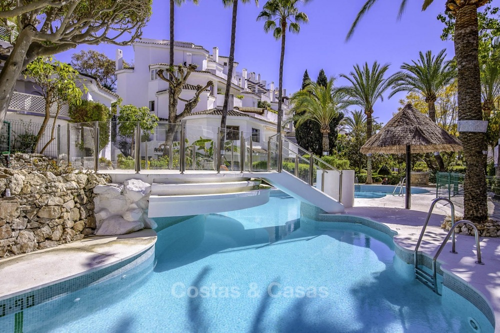 Amazing renovated luxury apartment with huge terrace for sale in a beachfront complex – Elviria, Marbella 11268