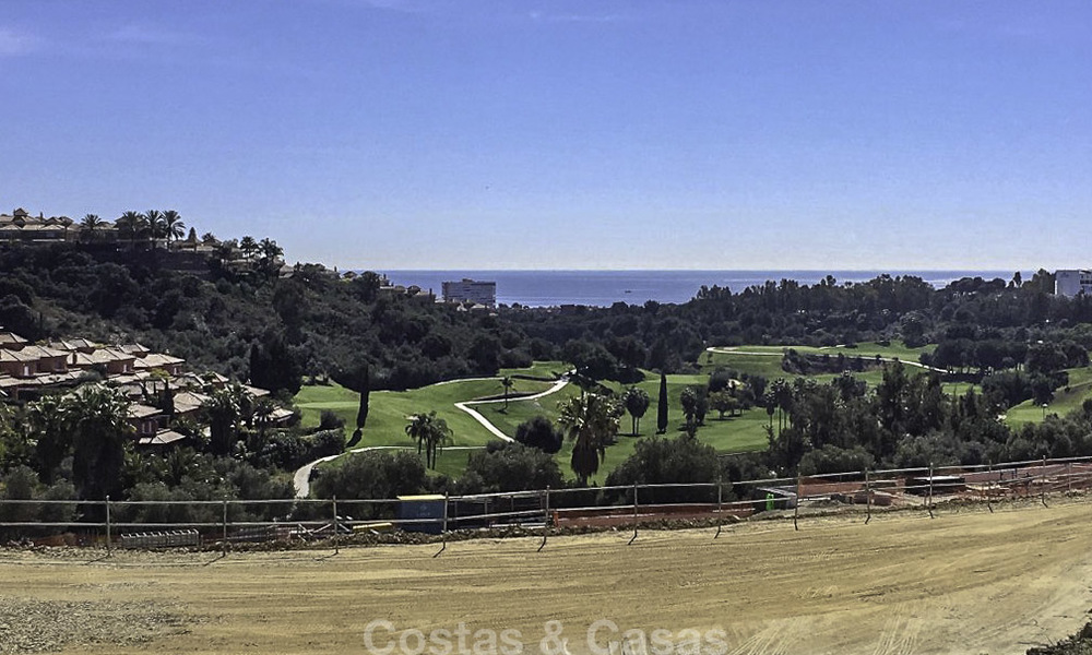 Exclusive contemporary golf villas with stunning golf and sea views for sale - East Marbella 15961
