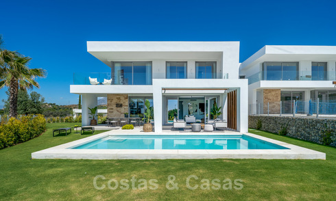 Exclusive contemporary golf villas with stunning golf and sea views for sale - East Marbella. Ready to move in. 2 Last villas! 26704