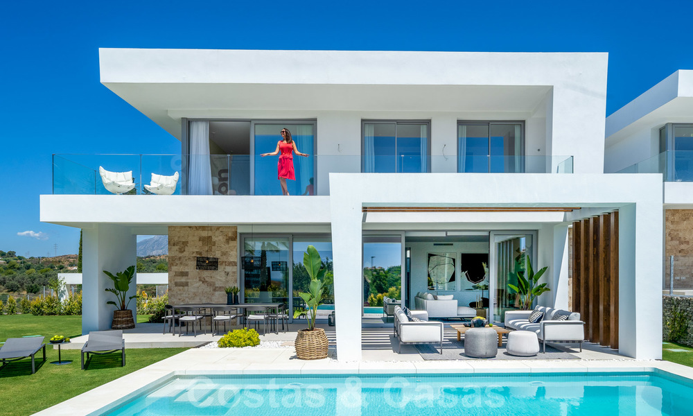 Exclusive contemporary golf villas with stunning golf and sea views for sale - East Marbella 26706