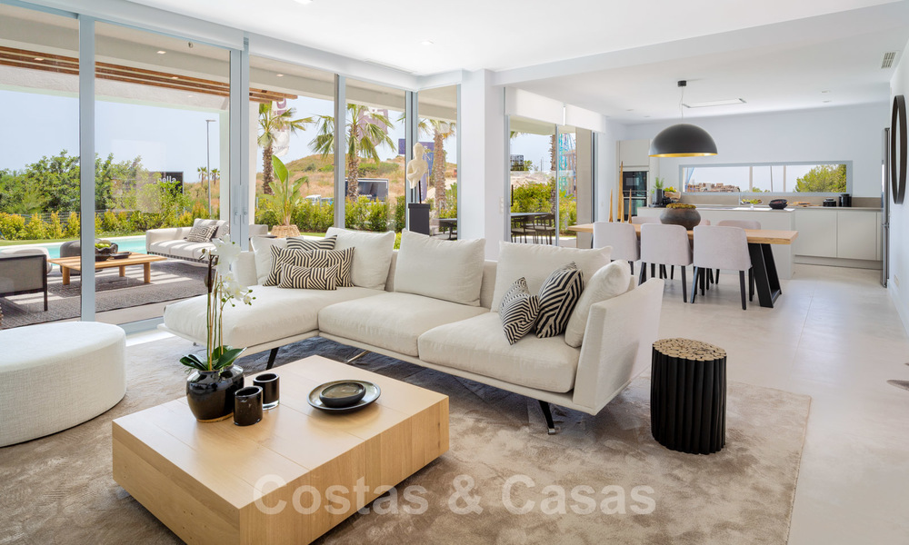 Exclusive contemporary golf villas with stunning golf and sea views for sale - East Marbella 26721