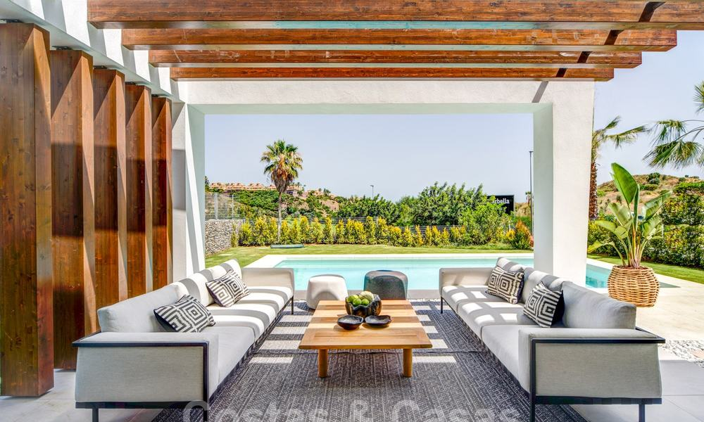 Exclusive contemporary golf villas with stunning golf and sea views for sale - East Marbella 26724