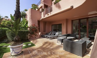 Attractive, spacious apartment in an exclusive beachfront complex for sale, between Marbella and Estepona 11774