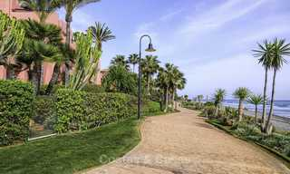 Attractive, spacious apartment in an exclusive beachfront complex for sale, between Marbella and Estepona 11788