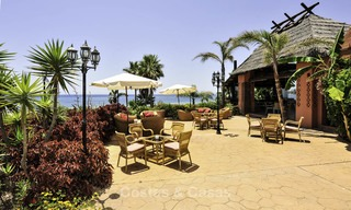 Attractive, spacious apartment in an exclusive beachfront complex for sale, between Marbella and Estepona 12327