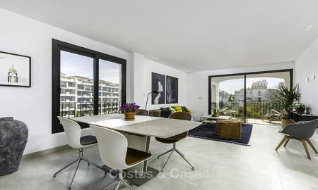 Fully renovated beachside luxury apartments for sale, ready to move into, in the centre of Puerto Banus, Marbella 11895