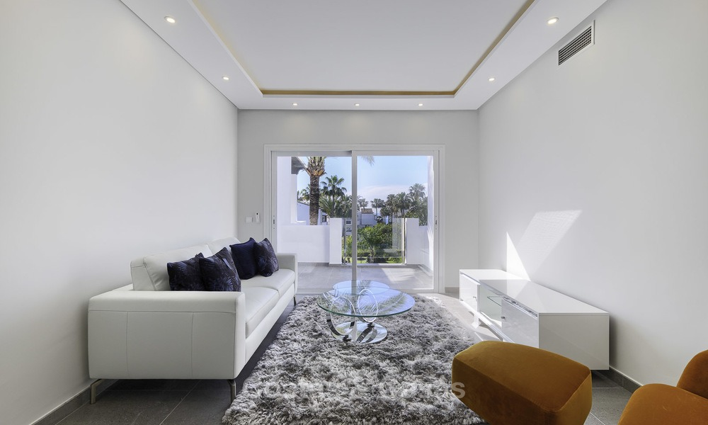 Modern, fully renovated apartment in a beachside complex for sale, New Golden Mile, between Marbella and Estepona 12223