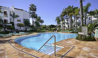 Modern, fully renovated apartment in a beachside complex for sale, New Golden Mile, between Marbella and Estepona 12238