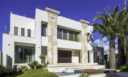 Exquisite, high-end modern luxury villa for sale, ready to move in, beachside Golden Mile, Marbella 12426