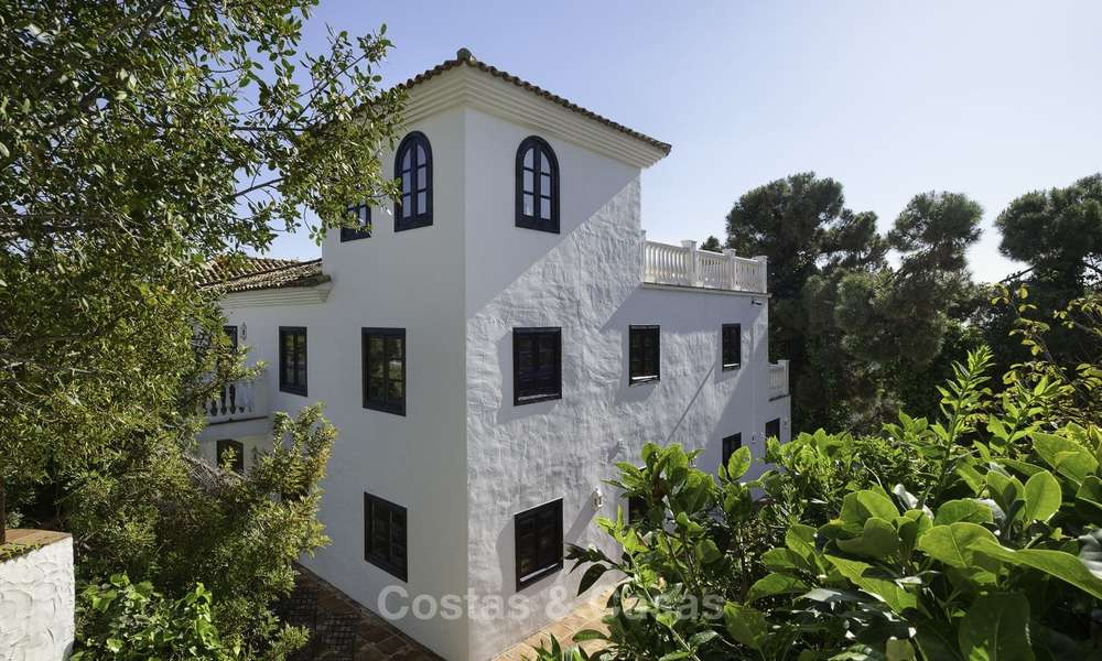 Charming traditional style villa with sea and mountain views for sale in El Madroñal, Benahavis, Marbella 12628