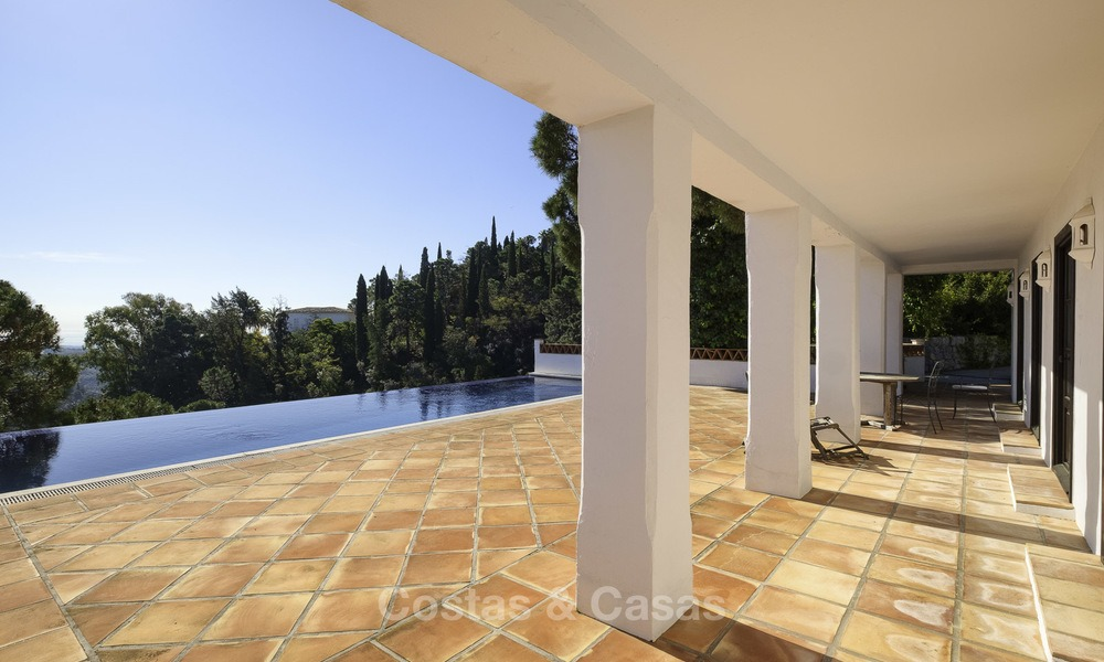 Charming traditional style villa with sea and mountain views for sale in El Madroñal, Benahavis, Marbella 12632
