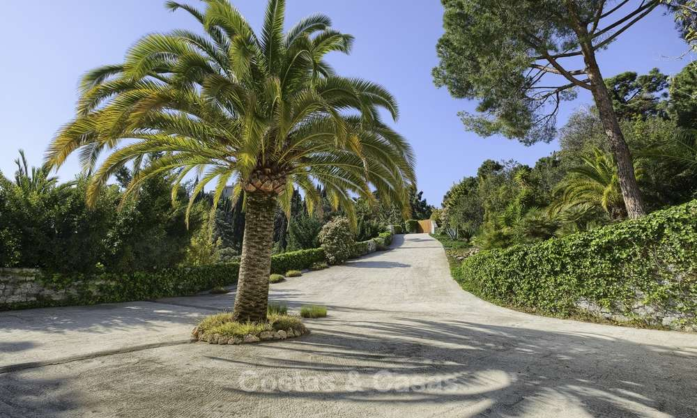 Charming traditional style villa with sea and mountain views for sale in El Madroñal, Benahavis, Marbella 12636