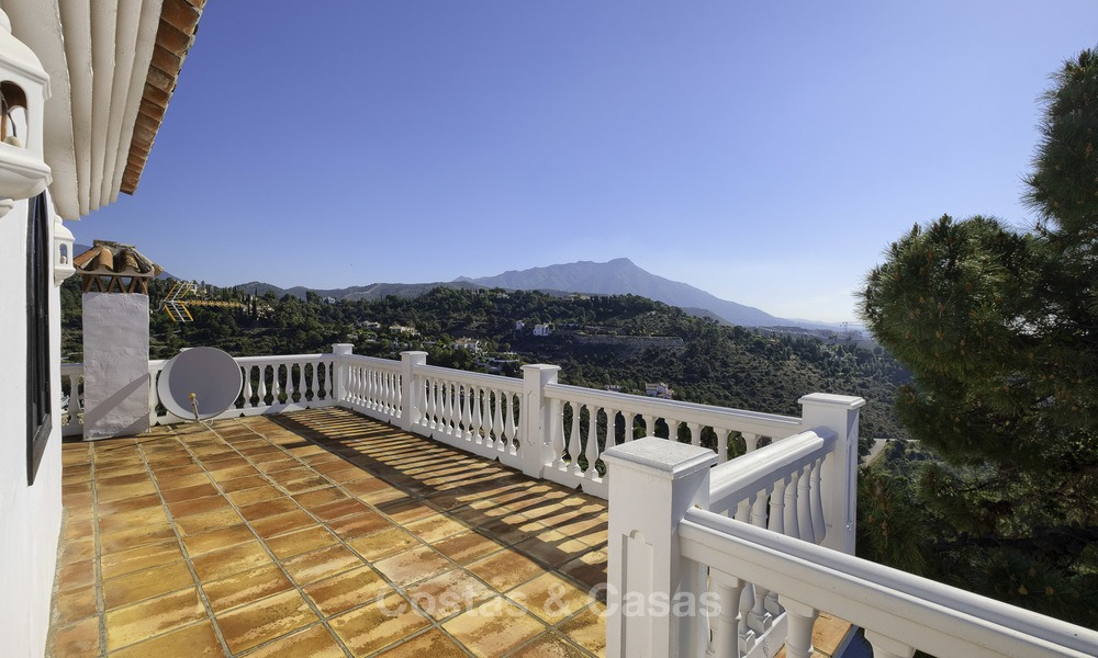 Charming traditional style villa with sea and mountain views for sale in El Madroñal, Benahavis, Marbella 12640