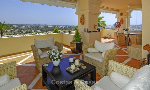 Spacious luxury apartments and penthouses with sea view for sale in Nueva Andalucia, Marbella 12758
