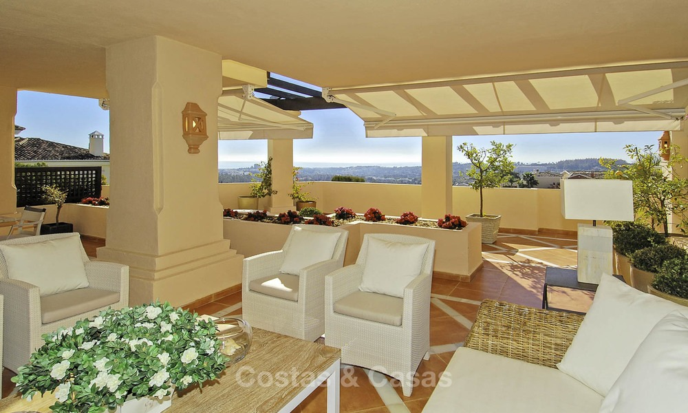 Spacious luxury apartments and penthouses with sea view for sale in Nueva Andalucia, Marbella 12759