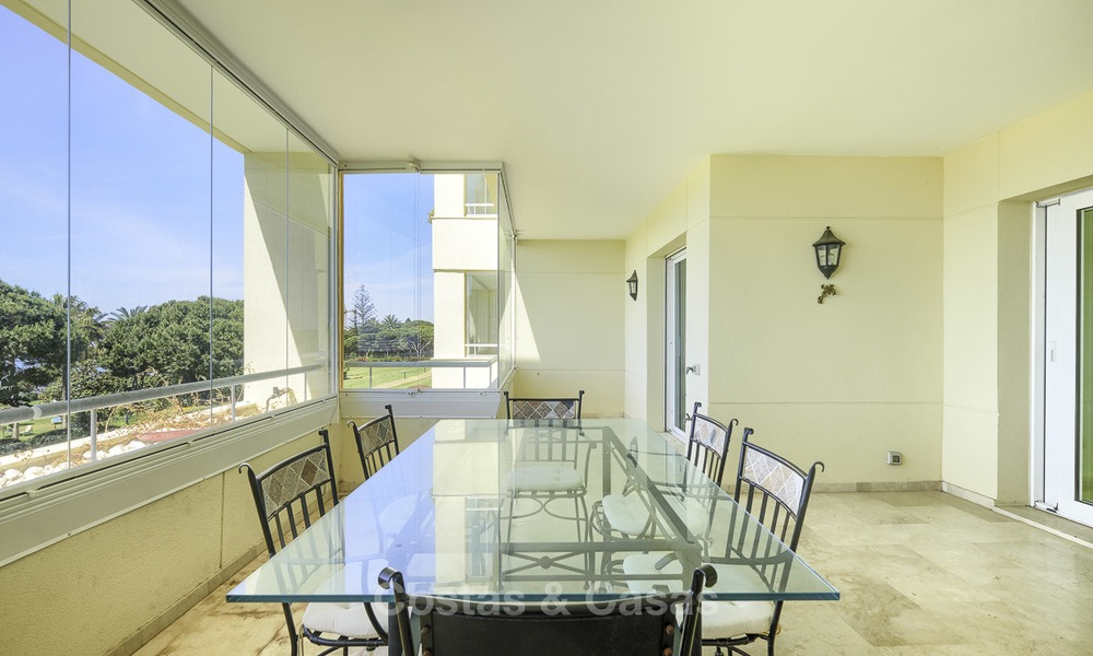 Nice frontline beach apartment with outstanding sea views for sale in a high standard complex, Cabopino, Marbella 12992