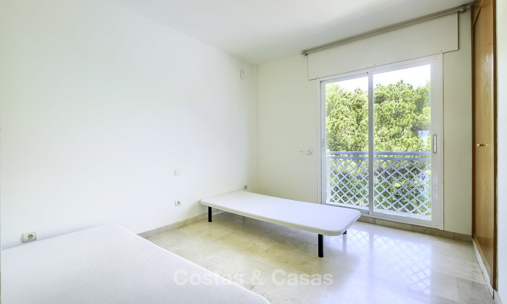 Nice frontline beach apartment with outstanding sea views for sale in a high standard complex, Cabopino, Marbella 13001