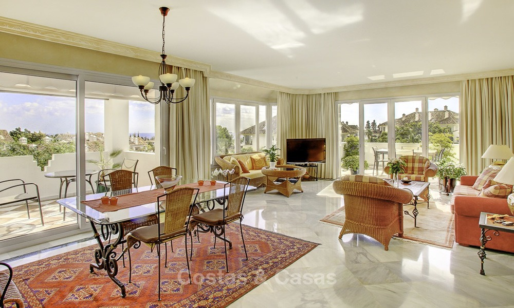 Spacious apartment with panoramic sea views for sale, in a prestigious complex on the Golden Mile, Marbella 13157