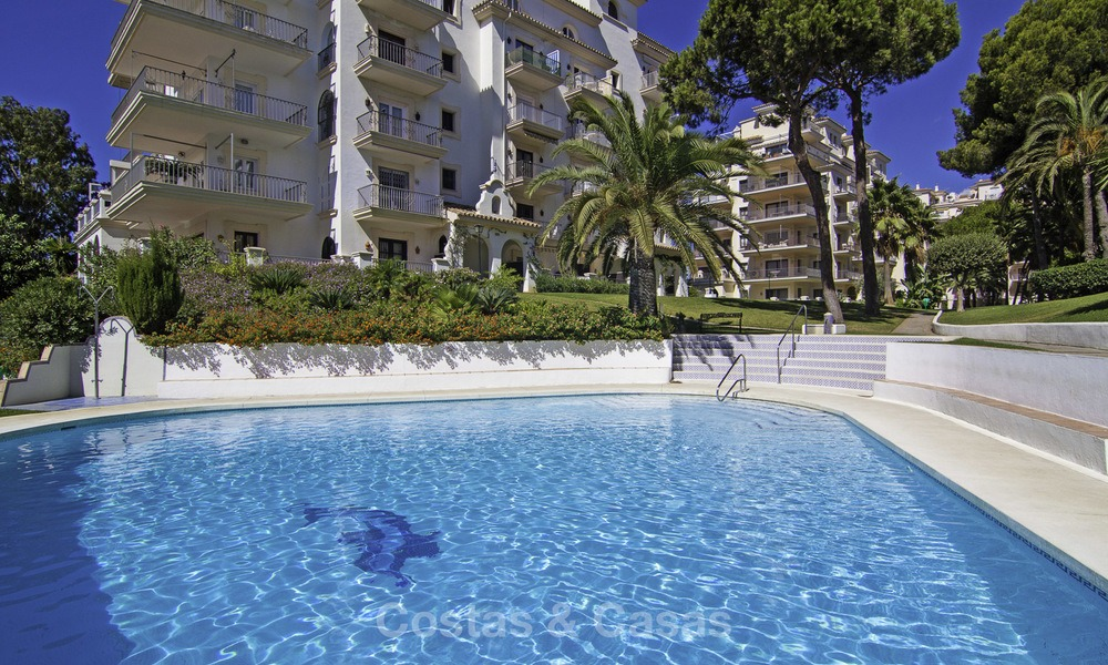 Attractive penthouse apartment with amazing sea views in a frontline beach complex for sale, Puerto Banus, Marbella 13231