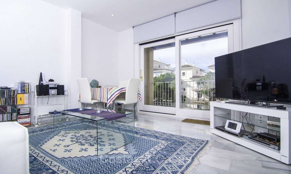 Attractive penthouse apartment with amazing sea views in a frontline beach complex for sale, Puerto Banus, Marbella 13238