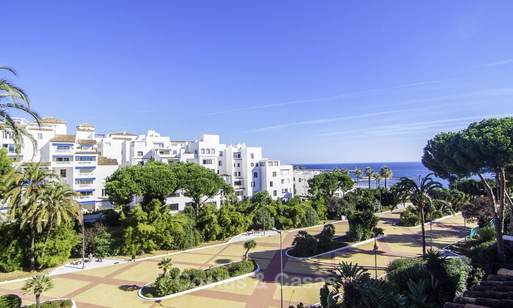 Attractive penthouse apartment with amazing sea views in a frontline beach complex for sale, Puerto Banus, Marbella 13248