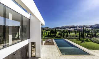 Stunning new modern contemporary luxury villa for sale, frontline golf in an exclusive resort, Benahavis, Marbella 13407