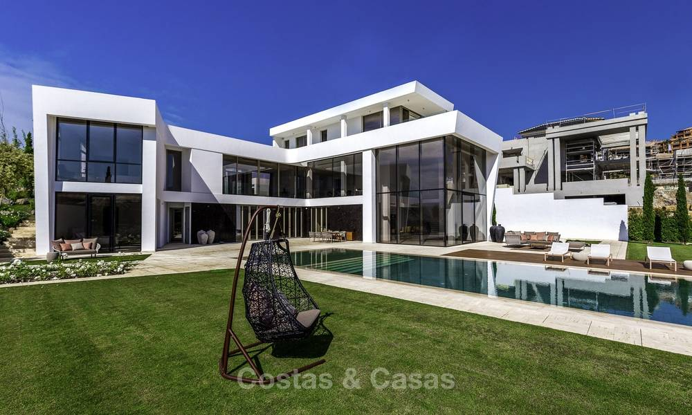 Stunning new modern contemporary luxury villa for sale, frontline golf in an exclusive resort, Benahavis, Marbella 13415