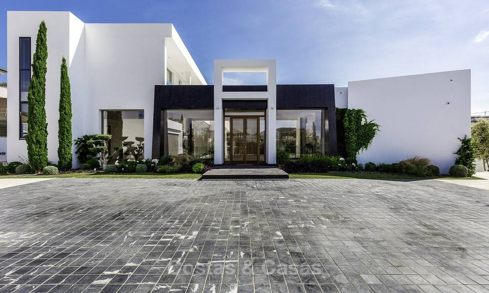 Stunning new modern contemporary luxury villa for sale, frontline golf in an exclusive resort, Benahavis, Marbella 13417