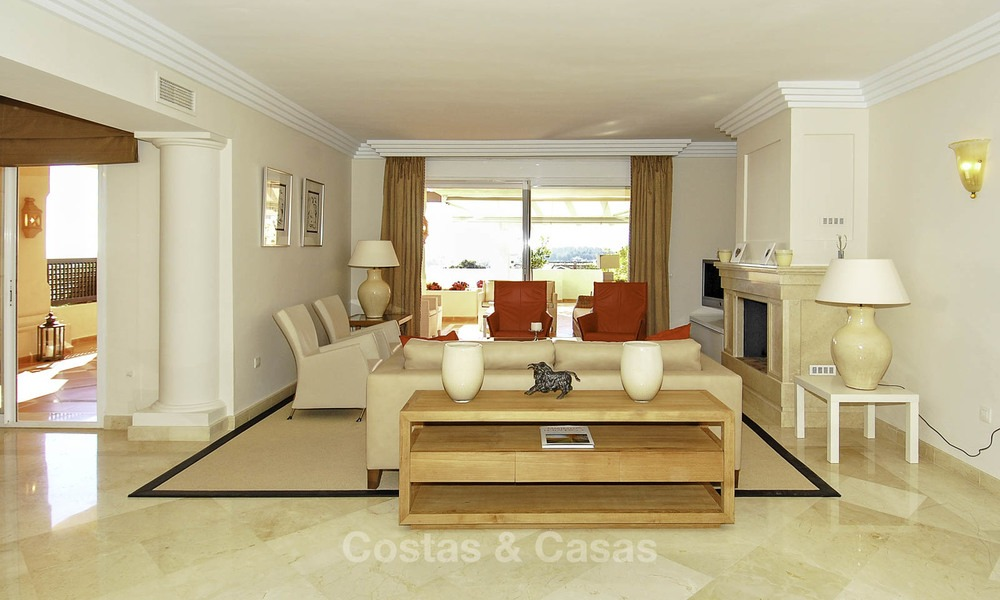 Albatross Hill: Apartments and penthouses with sea view for sale in Nueva Andalucia, Marbella 13395