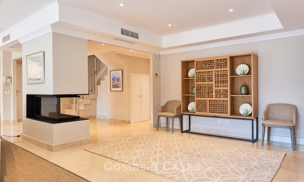 Luxury penthouse apartment for sale on the Golden Mile between Marbella centre and Puerto Banus 13556