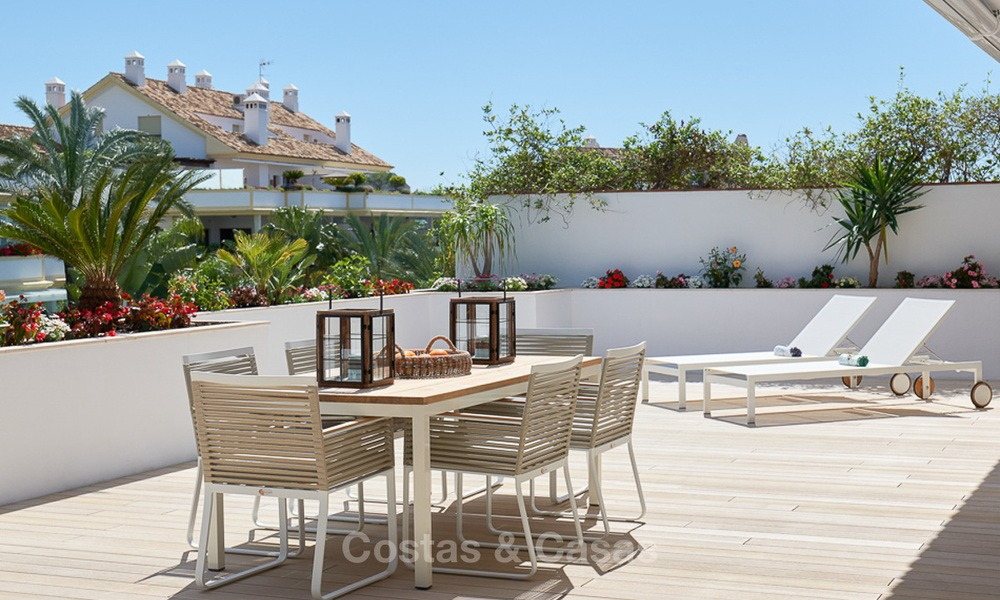 Luxury penthouse apartment for sale on the Golden Mile between Marbella centre and Puerto Banus 13570