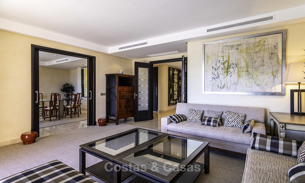 Exceptional luxury beachfront penthouse apartment for sale in a prestigious complex, Puerto Banus, Marbella 13903