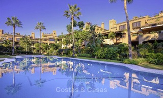 Charming high-end beachside apartment for sale in a stylish urbanisation, between Marbella and Estepona 13926
