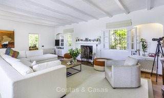Charming renovated Mediterranean style villa with sea views on a large plot for sale in Benahavis - Marbella 14130