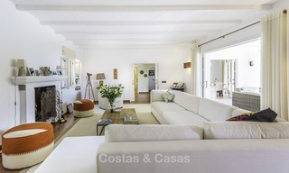 Charming renovated Mediterranean style villa with sea views on a large plot for sale in Benahavis - Marbella 14131