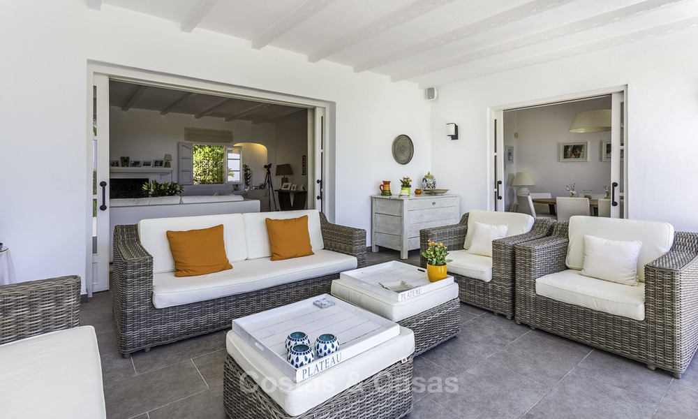 Charming renovated Mediterranean style villa with sea views on a large plot for sale in Benahavis - Marbella 14136