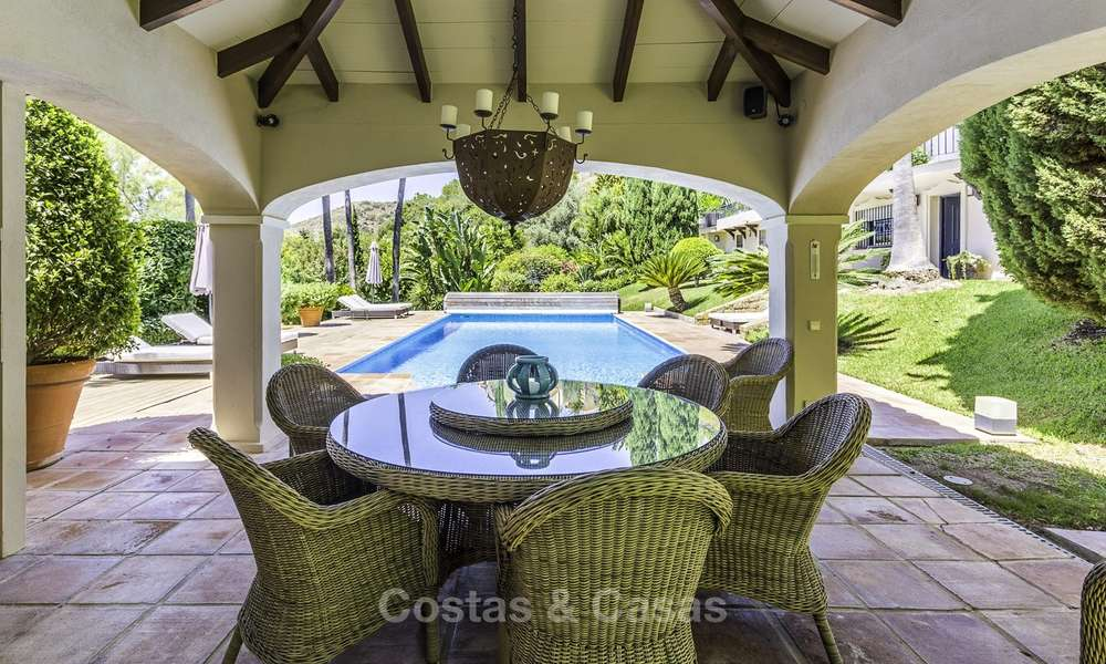 Charming renovated Mediterranean style villa with sea views on a large plot for sale in Benahavis - Marbella 14149