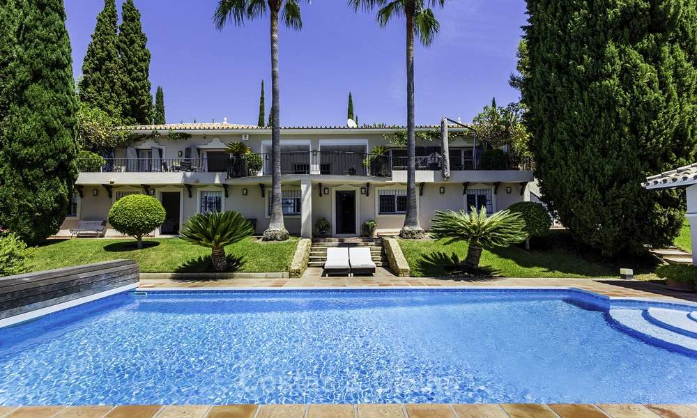 Charming renovated Mediterranean style villa with sea views on a large plot for sale in Benahavis - Marbella 14150