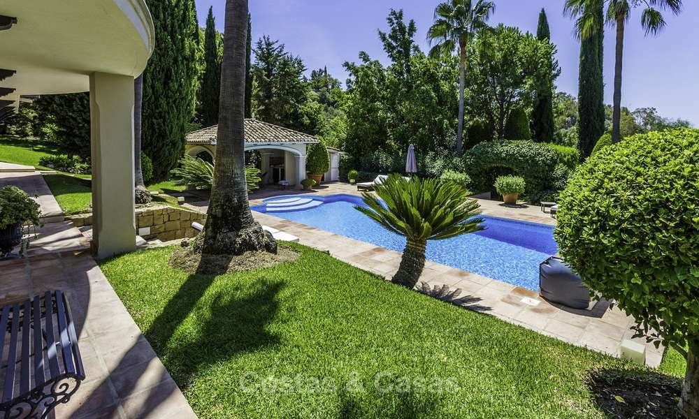 Charming renovated Mediterranean style villa with sea views on a large plot for sale in Benahavis - Marbella 14152