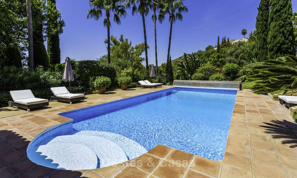 Charming renovated Mediterranean style villa with sea views on a large plot for sale in Benahavis - Marbella 14154