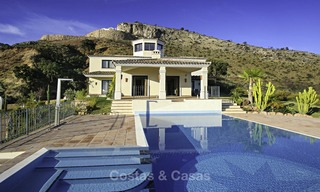 For sale: classical villa with panoramic sea views and guest house in a world class golf resort - Benahavis, Marbella 14158
