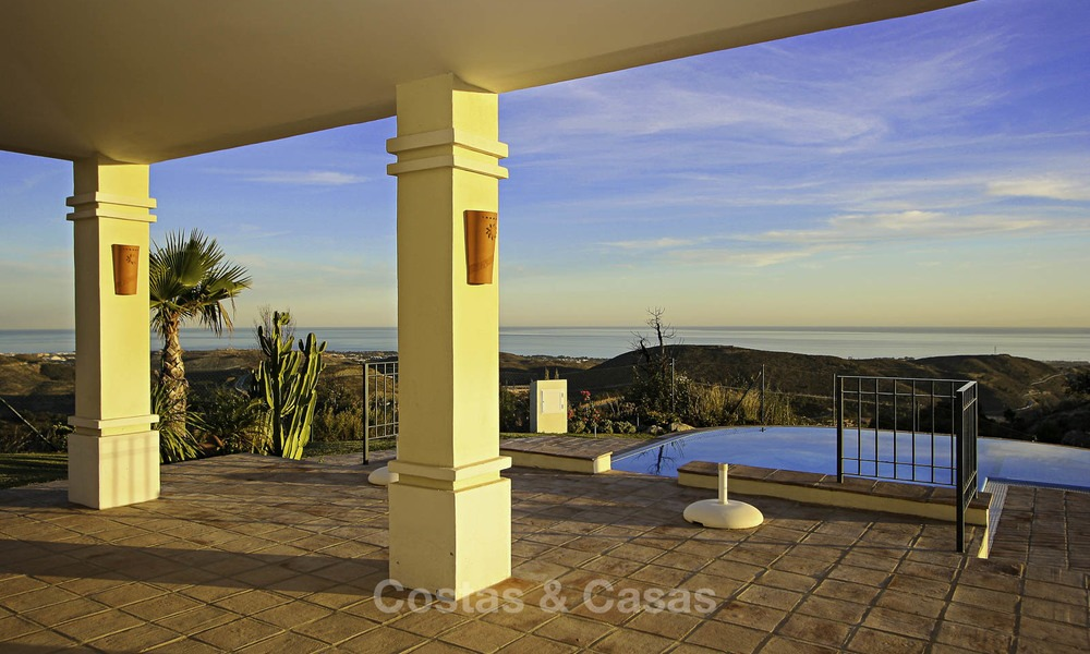 For sale: classical villa with panoramic sea views and guest house in a world class golf resort - Benahavis, Marbella 14174
