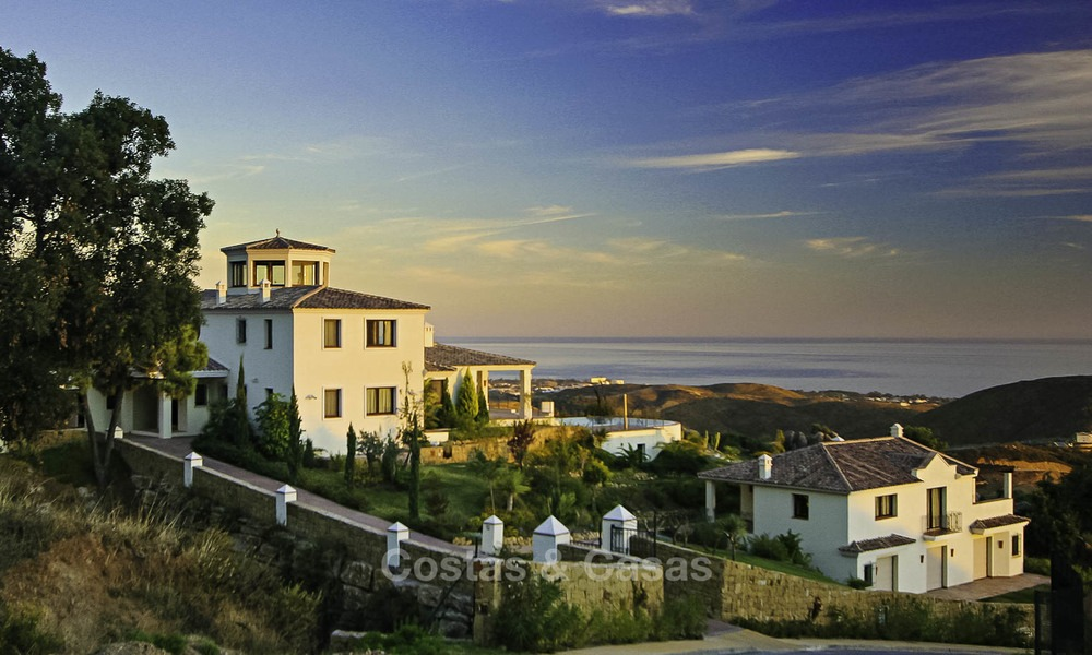 For sale: classical villa with panoramic sea views and guest house in a world class golf resort - Benahavis, Marbella 14178
