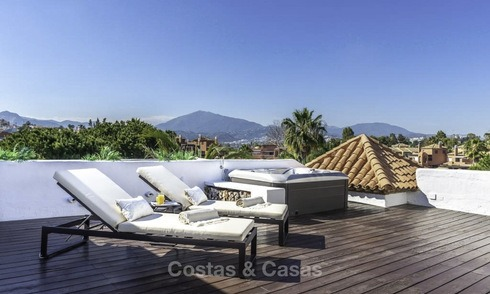 Gigantic, very stylish 4-bedroom penthouse apartment for sale in a prestigious beachside complex, Marbella - Estepona 14333